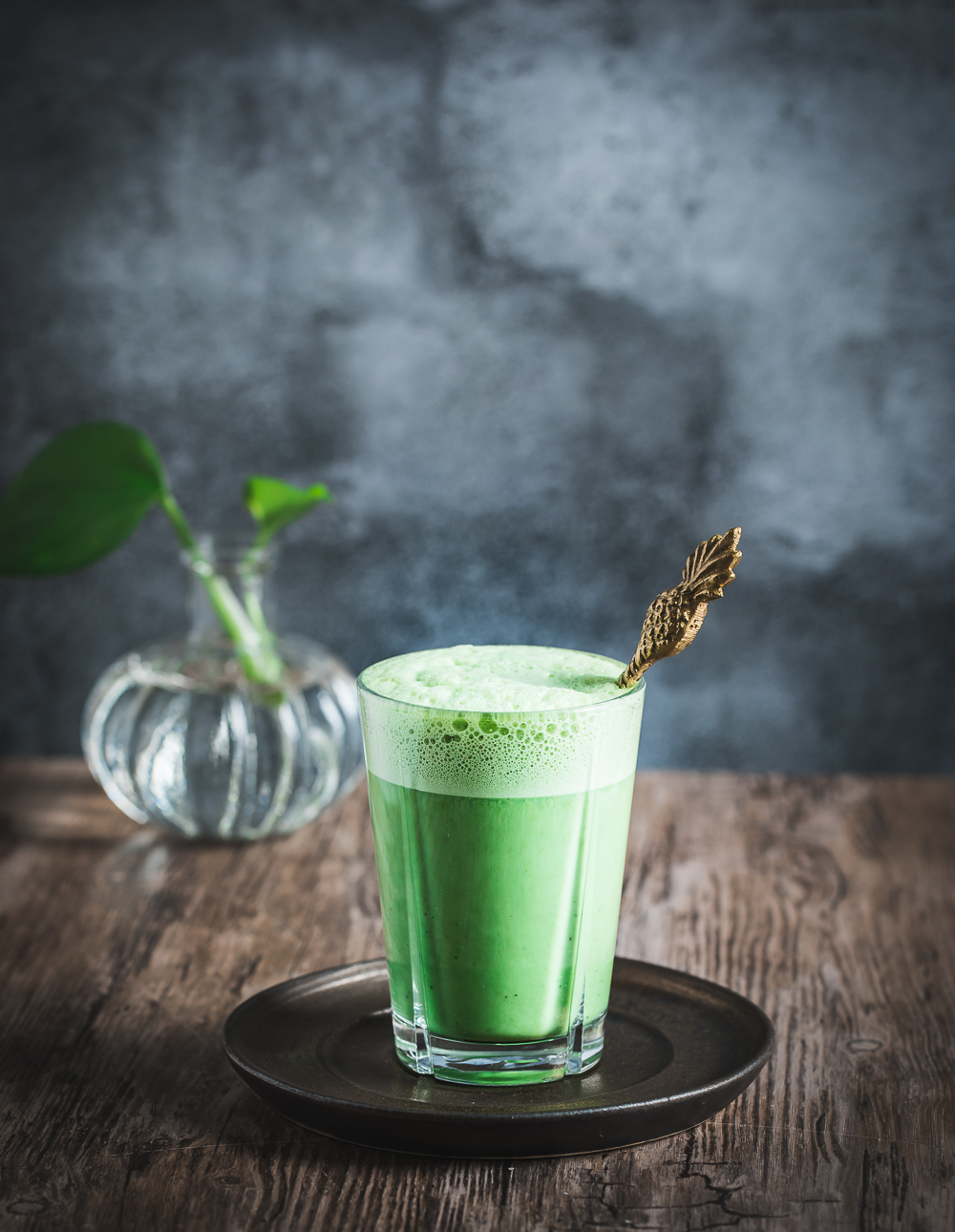 Matcha latte-senses in the kitchen